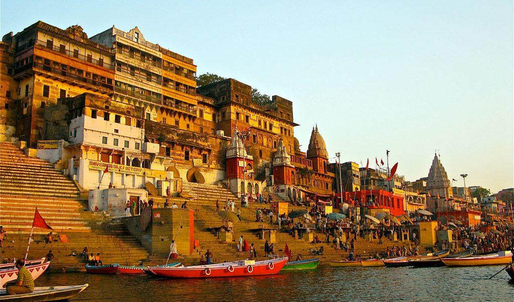 Ahilya_Ghat_by_the_Ganges_Varanasi